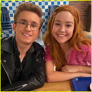 Sadie Stanley Has a 'Kim Possible' Reunion on 'The Goldbergs'