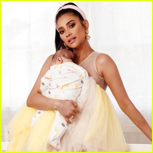 Shay Mitchell & Daughter Atlas Star in New Béis Baby Campaign