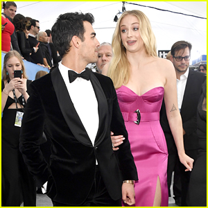 Joe Jonas & Sophie Turner Look So Good Together at SAG Awards 2020!