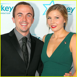 Frankie Muniz Ties the Knot With Longtime Love Paige Price!