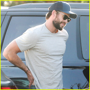 Liam Hemsworth Makes Returns After Attending Oscar Parties