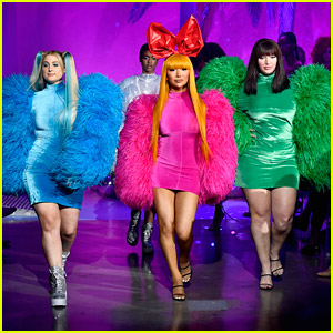 Meghan Trainor & Nikita Dragun Turn Into Powerpuff Girls For Christian Cowan Runway