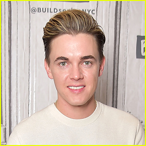 Jesse McCartney's New Song 'Yours' Sums Up His Life In a Pop Song
