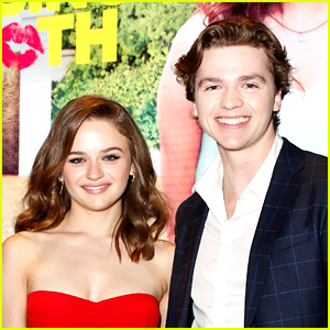 Joey King & Joel Courtney Join 'Group Chat with Annie & Jayden' Dance Challenge