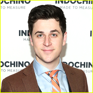 David Henrie Reads Thirst Tweets, Doesn't Know What a Glow Up Is