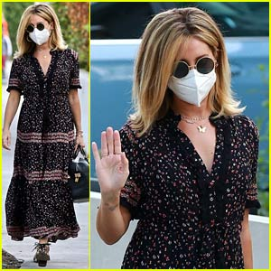 Pregnant Ashley Tisdale Steps Out for a Hair Appointment