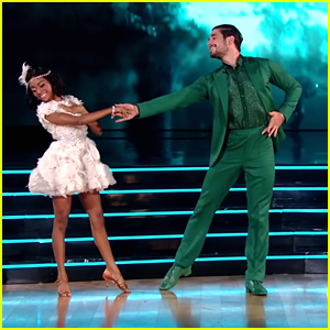 Skai Jackson & Alan Bersten Do The Jive To 'Princess & The Frog' Song 'Almost There'