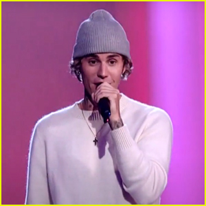 Justin Bieber Performs 'Lonely' & 'Holy' at People's Choice Awards - Watch Now!