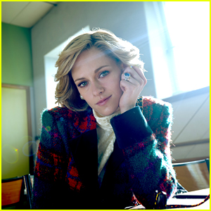 Kristen Stewart Turns Into Princess Diana In New 'Spencer' Photo