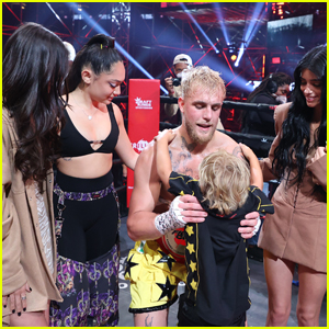 Dixie D'Amelio Reacts to Twitter Criticism After Presenting Belt to Jake Paul With Sister Charli D'Amelio