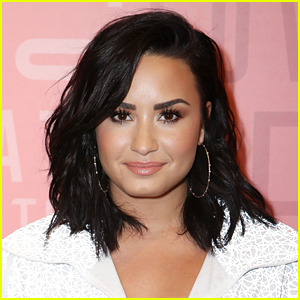 Demi Lovato Apologizes, Says She's Willing To Work With The Froyo Shop