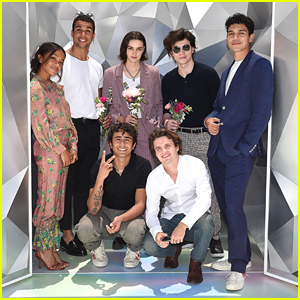 'Love, Victor' Cast Meet Up For Cute Photo Opp On Season 2 Premiere Day!