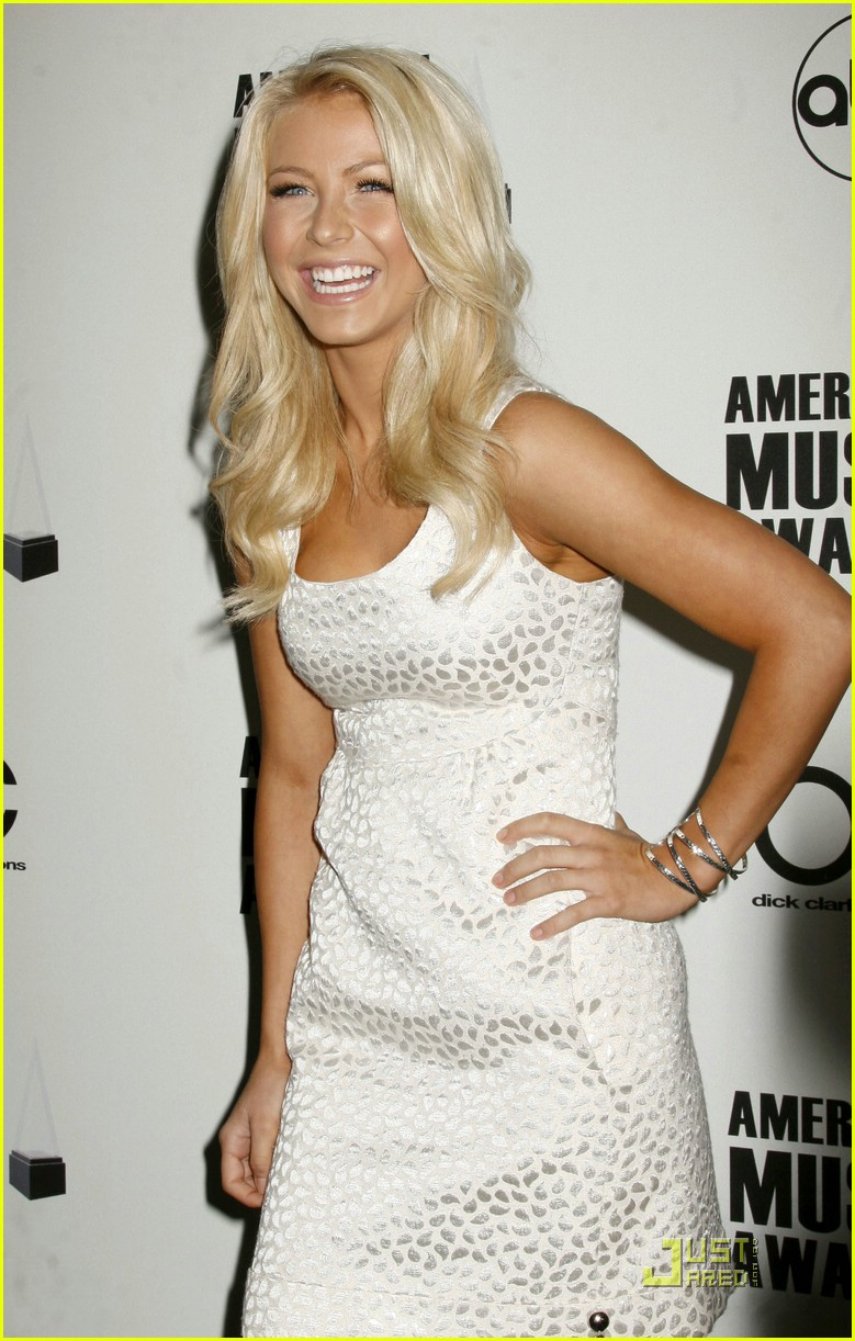 julianne hough ama nominees 26