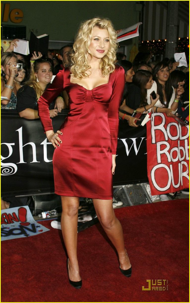 alyson michalka twilight premiere 09