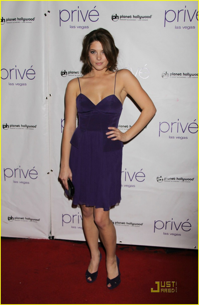 ashley greene kellan lutz prive 05