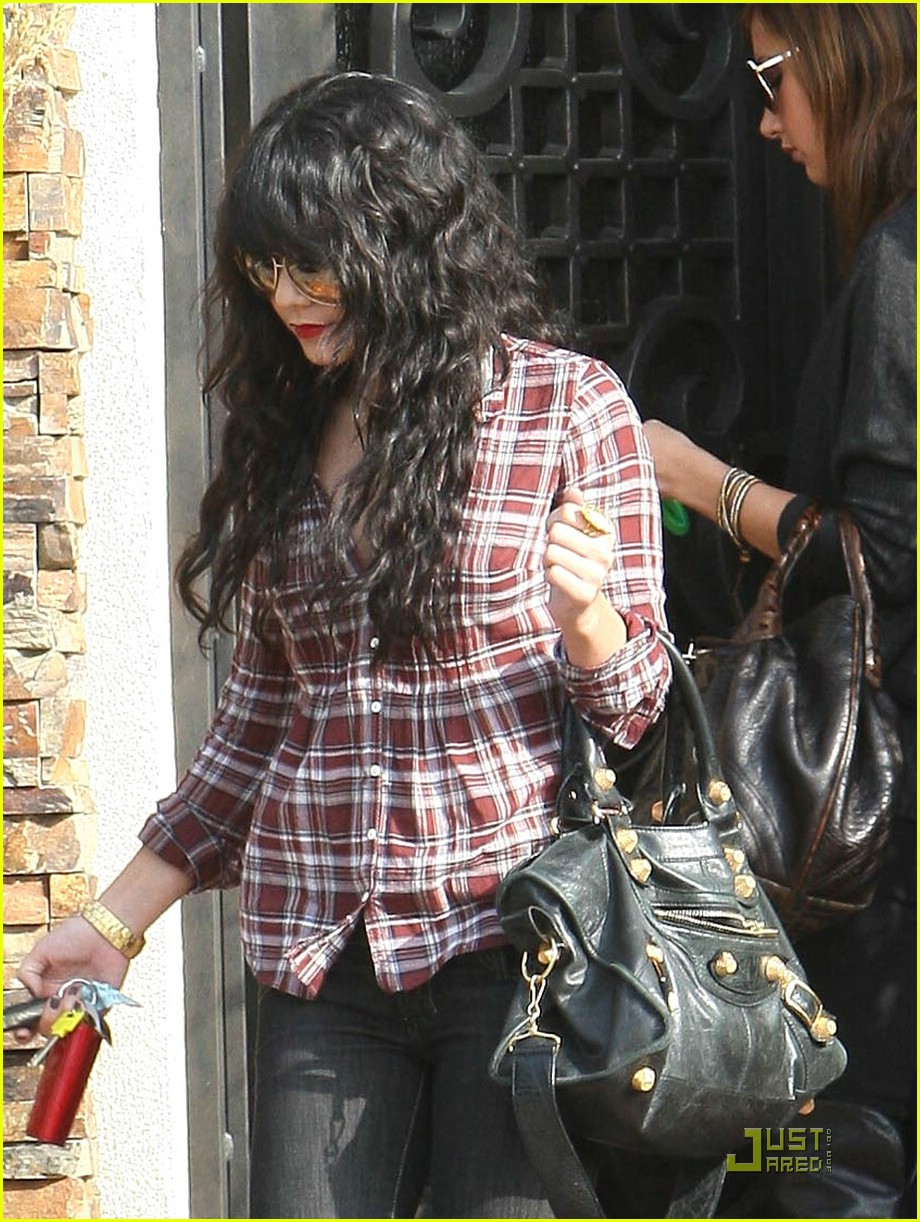 vanessa hudgens plaid 09