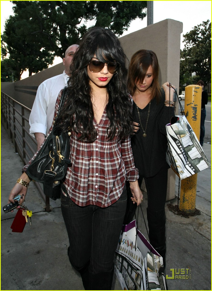 vanessa hudgens plaid 25