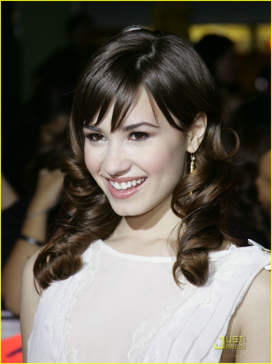 demi lovato twilight premiere 07