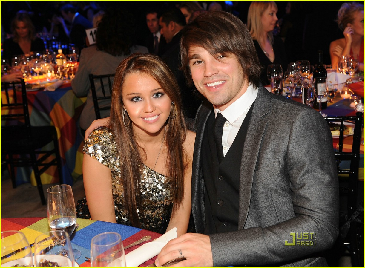 miley cyrus justin gaston bmi music awards 02