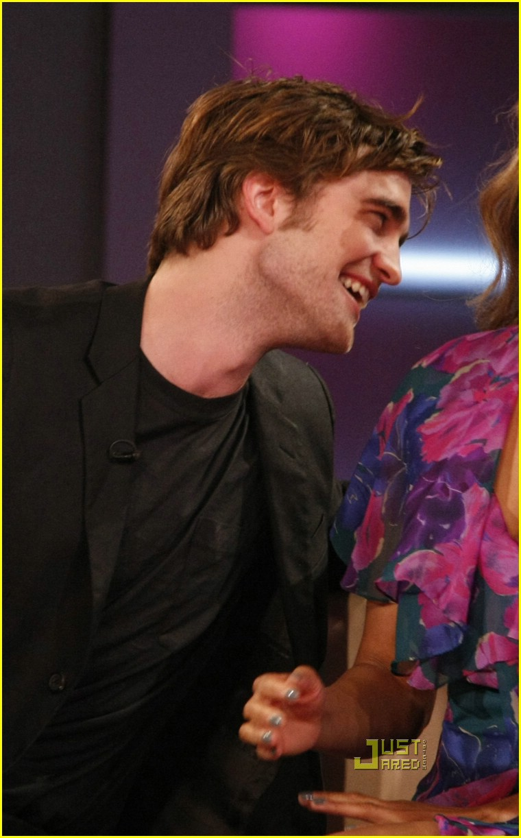 robert pattinson tyra banks show 01