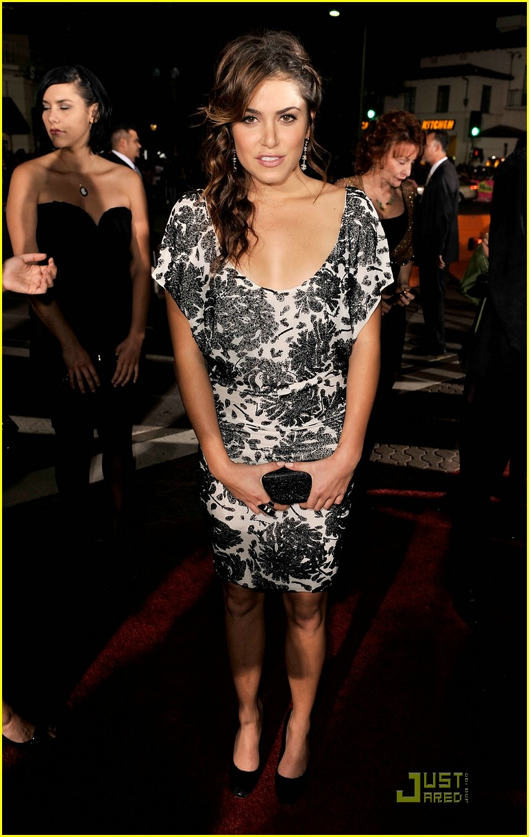 nikki reed twilight premiere 04