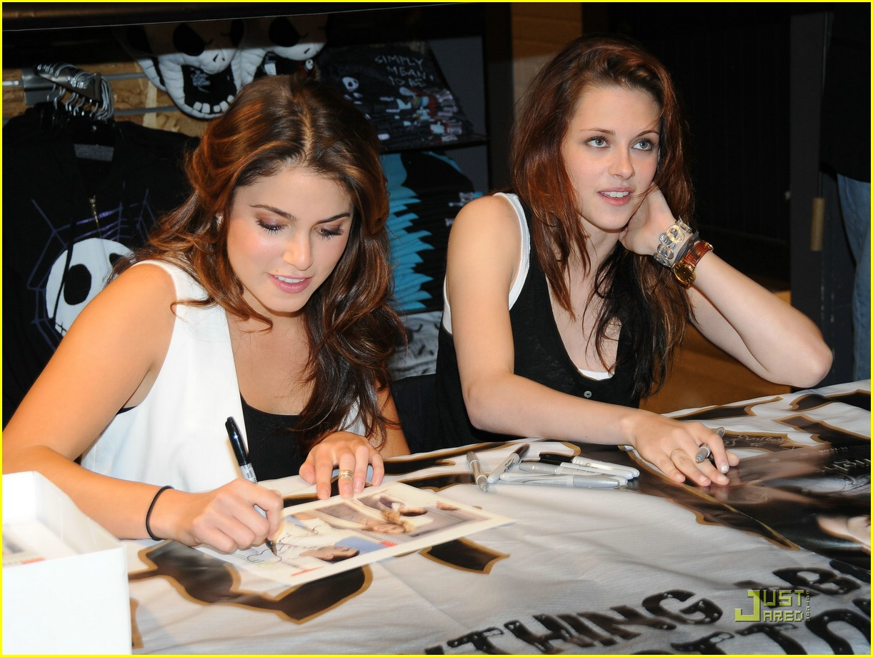 kristen stewart nikki reed topic store 10