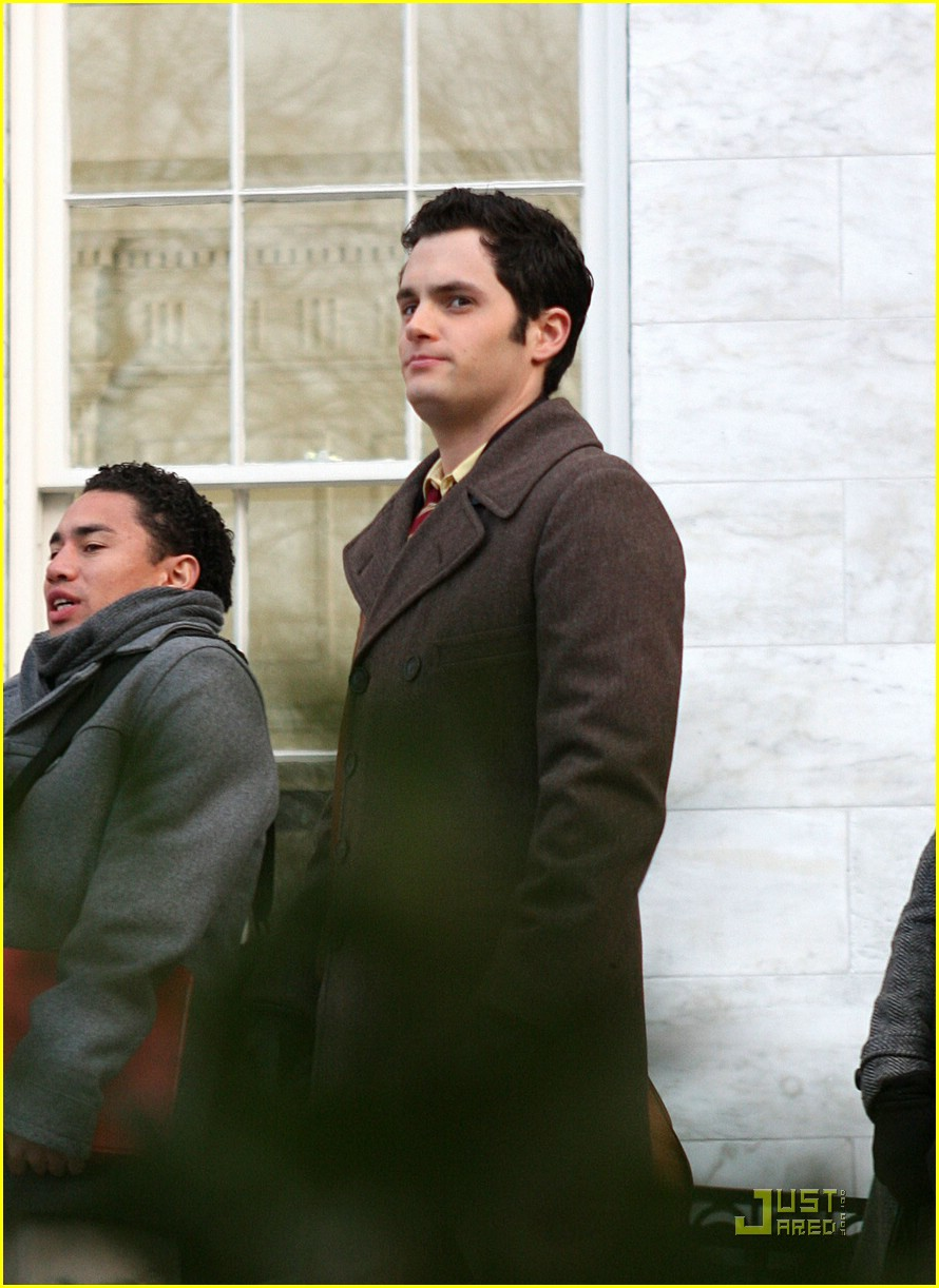 blake lively penn badgley gg set 13
