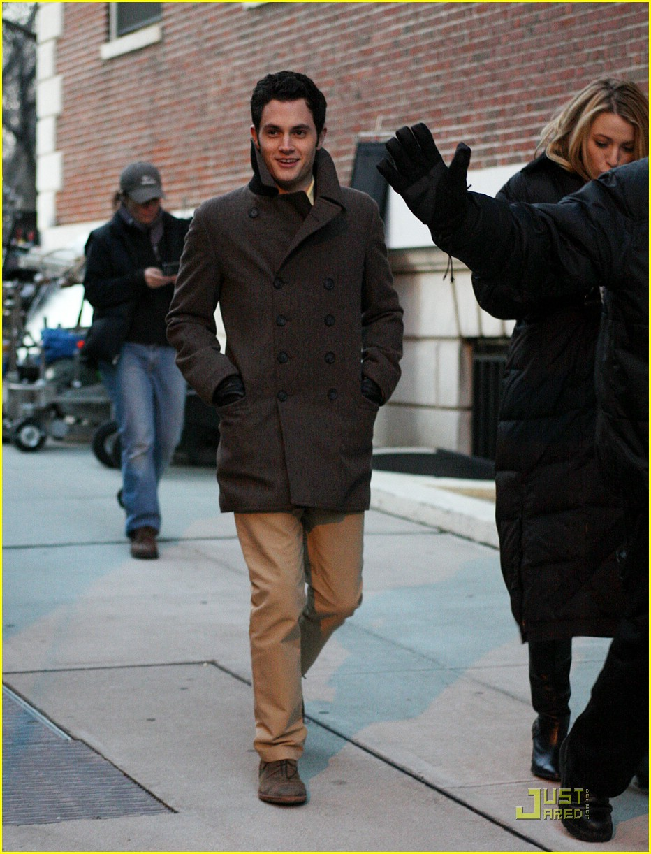blake lively penn badgley gg set 23