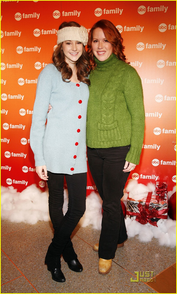 shailene woodley abc family christmas 03