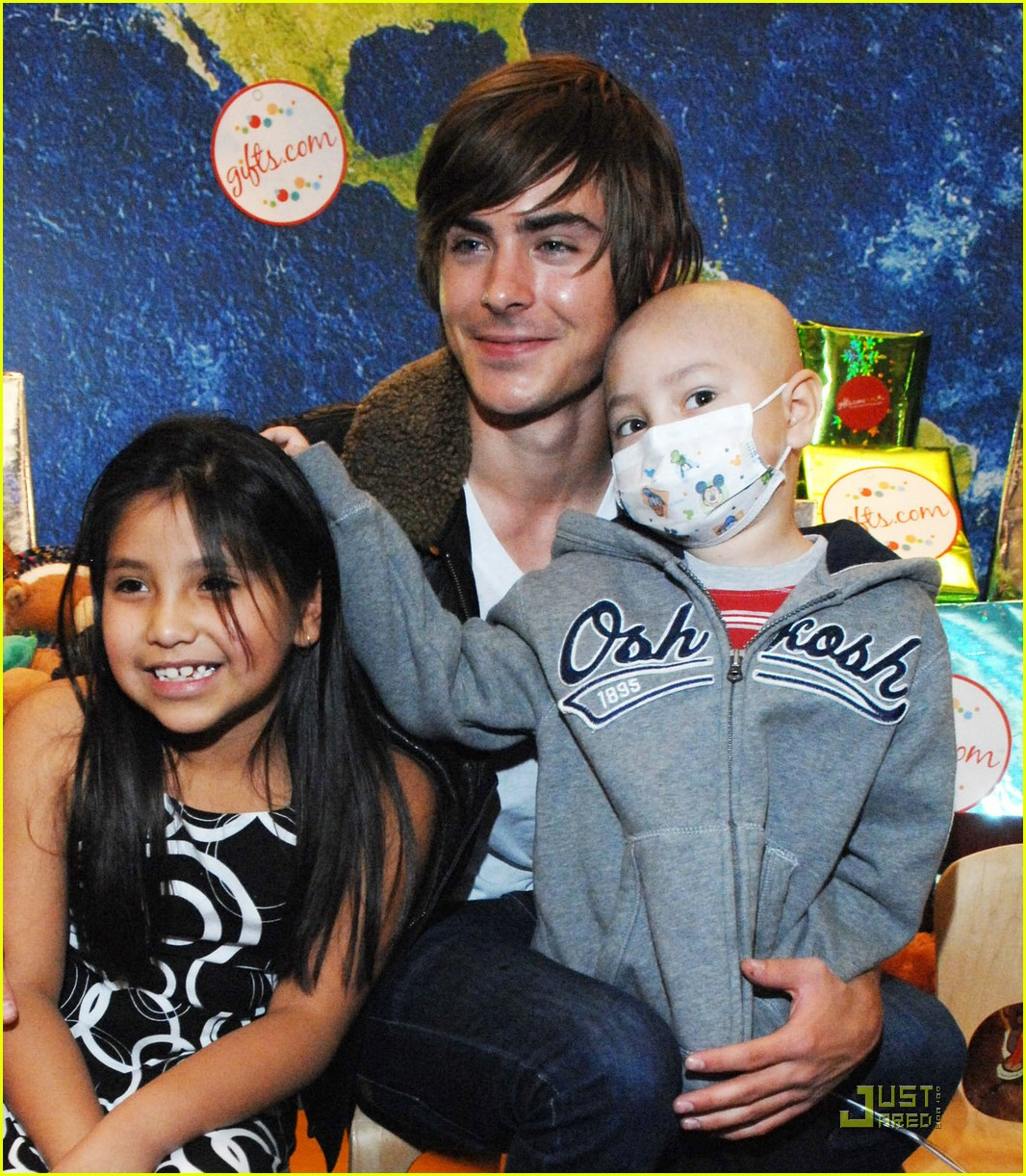 zac efron mattel childrens hospital 03