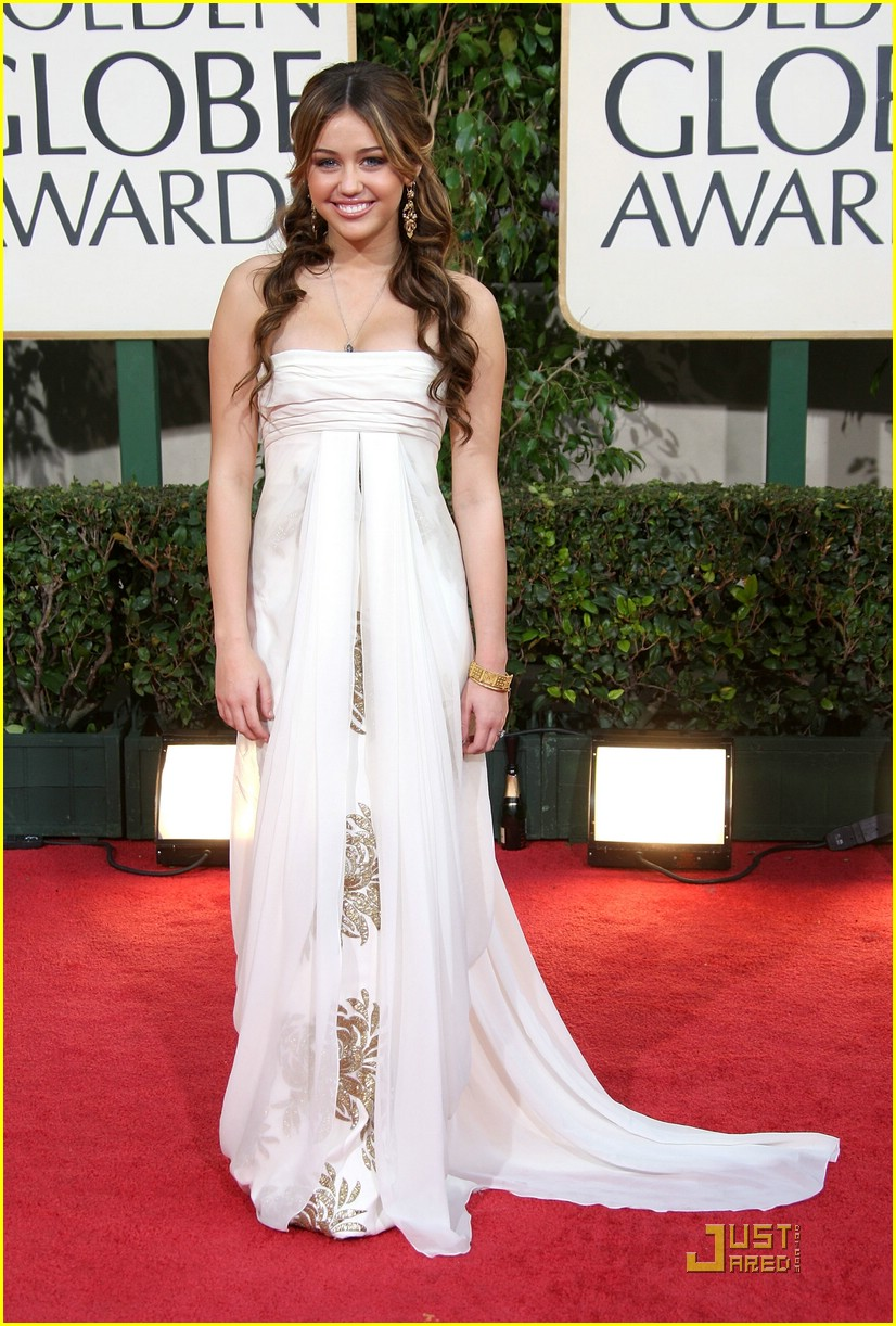 miley cyrus golden globe 10