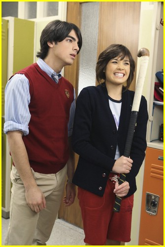 jonas still locker 10
