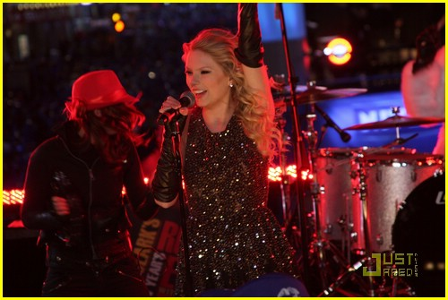 taylor swift new year eve 06