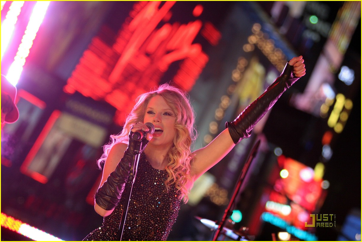 taylor swift new year eve 17