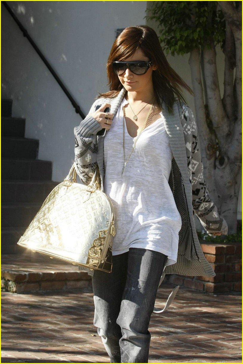 ashley tisdale la meeting 11
