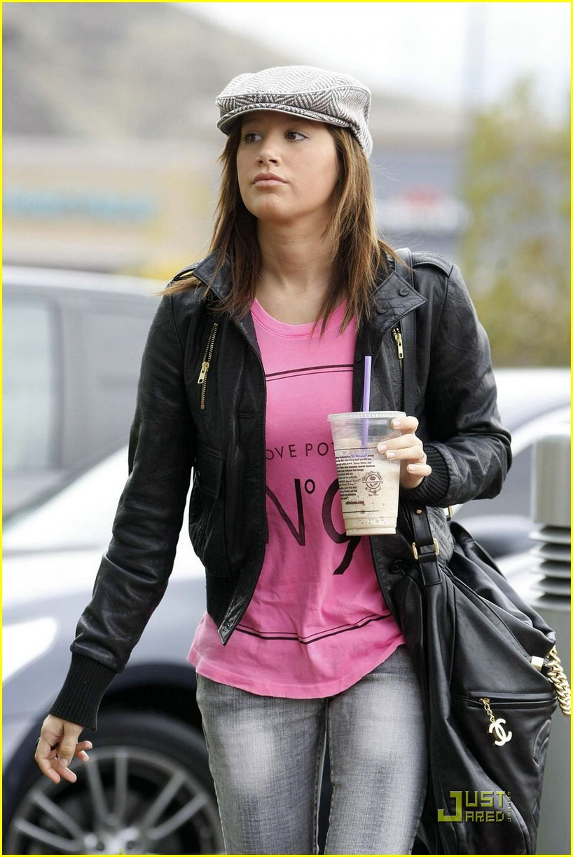 ashley tisdale dentist pink shirt 03