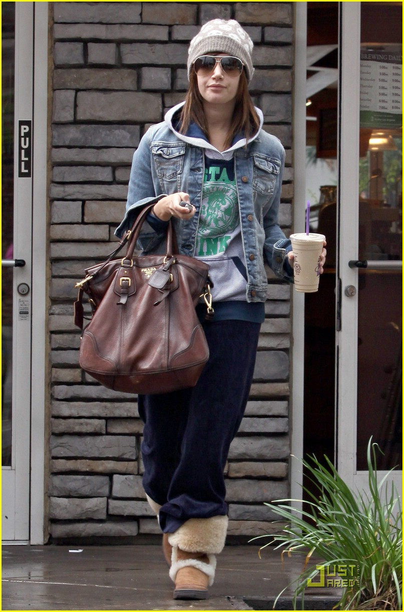 ashley tisdale prada purse 05