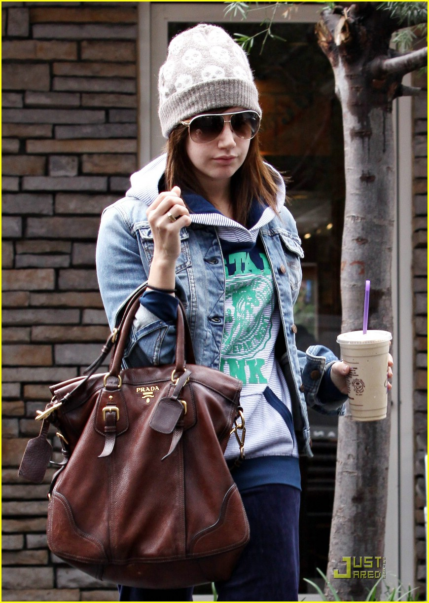 ashley tisdale prada purse 09