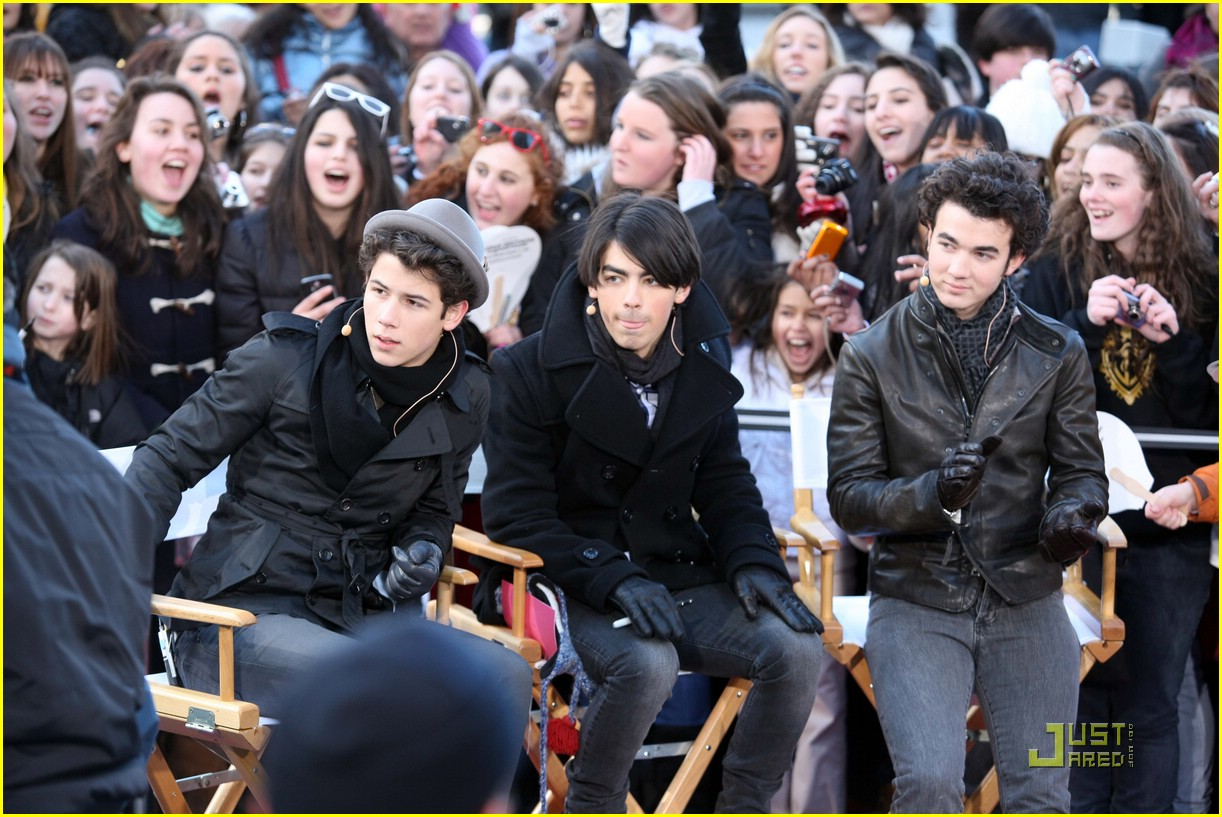 jonas brothers early show 04