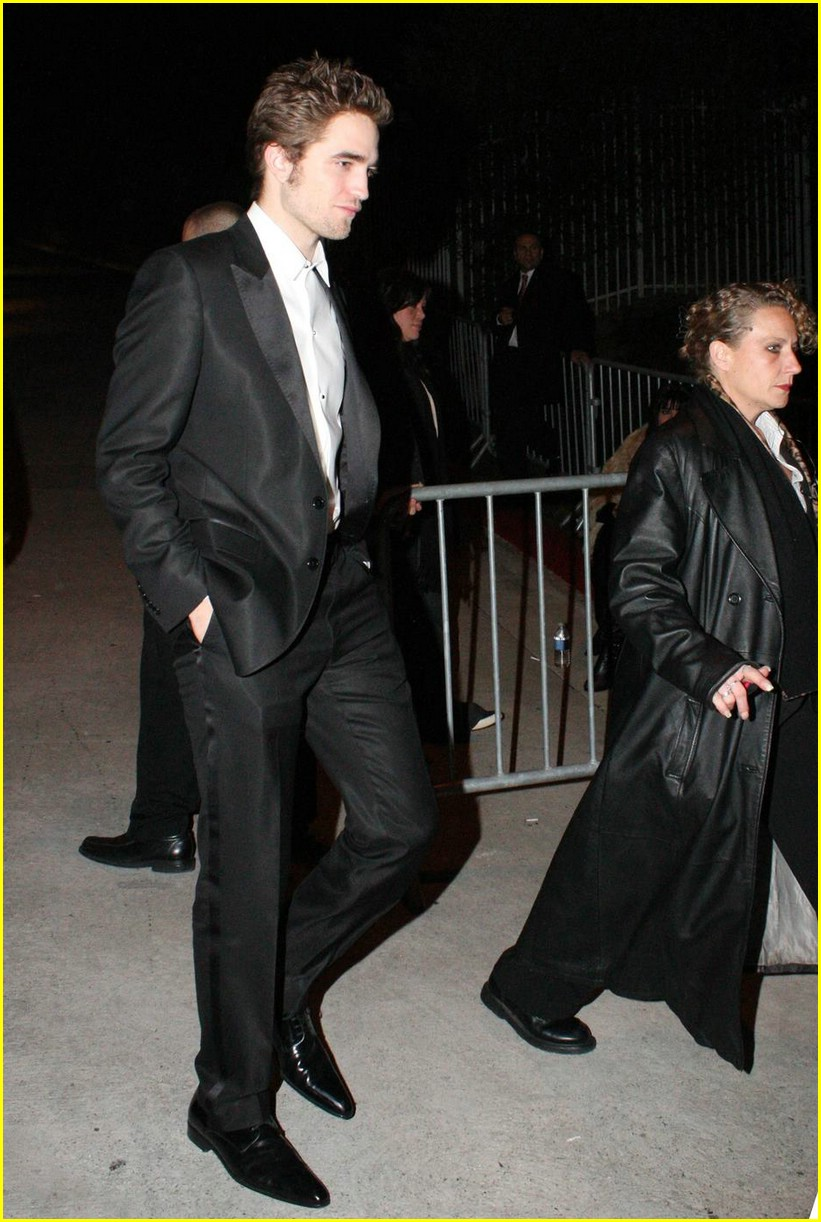 robert pattinson oscar party 09