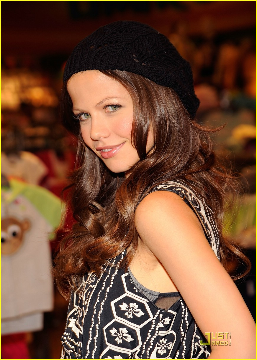 tammin sursok nolan funk signing 04