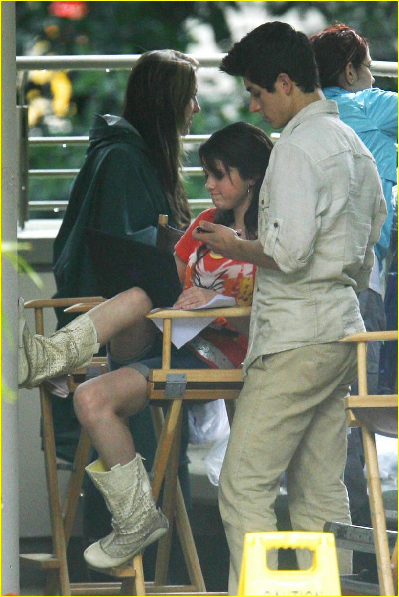 selena gomez david henrie wizards set 05