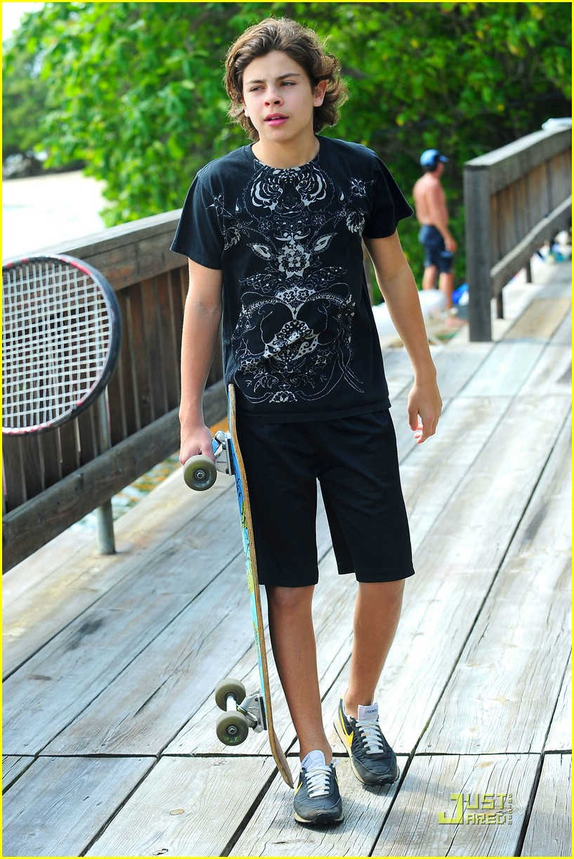jake austin skateboarding boy 04