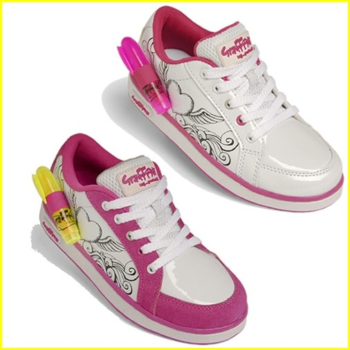 jennette mccurdy graffeeti shoes contest 02