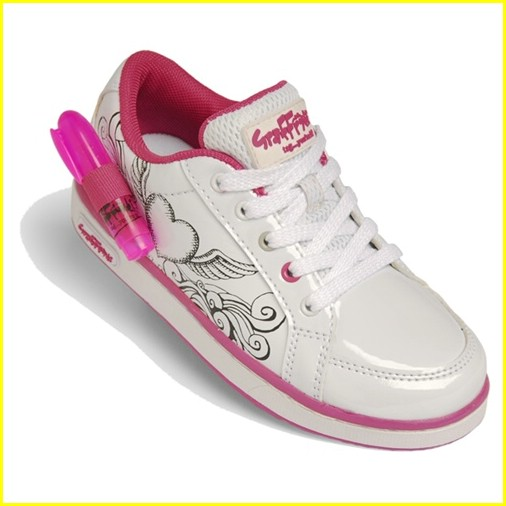jennette mccurdy graffeeti shoes contest 03