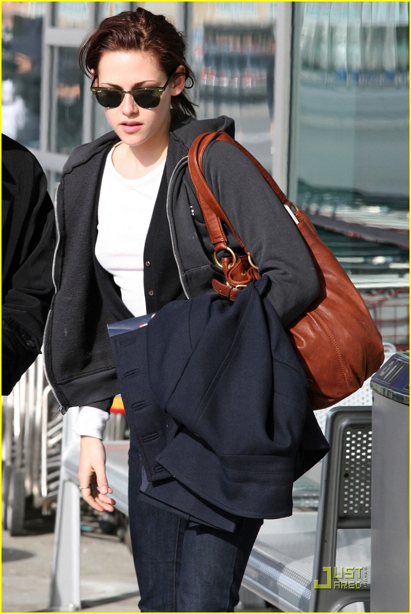 kristen stewart home to la 07