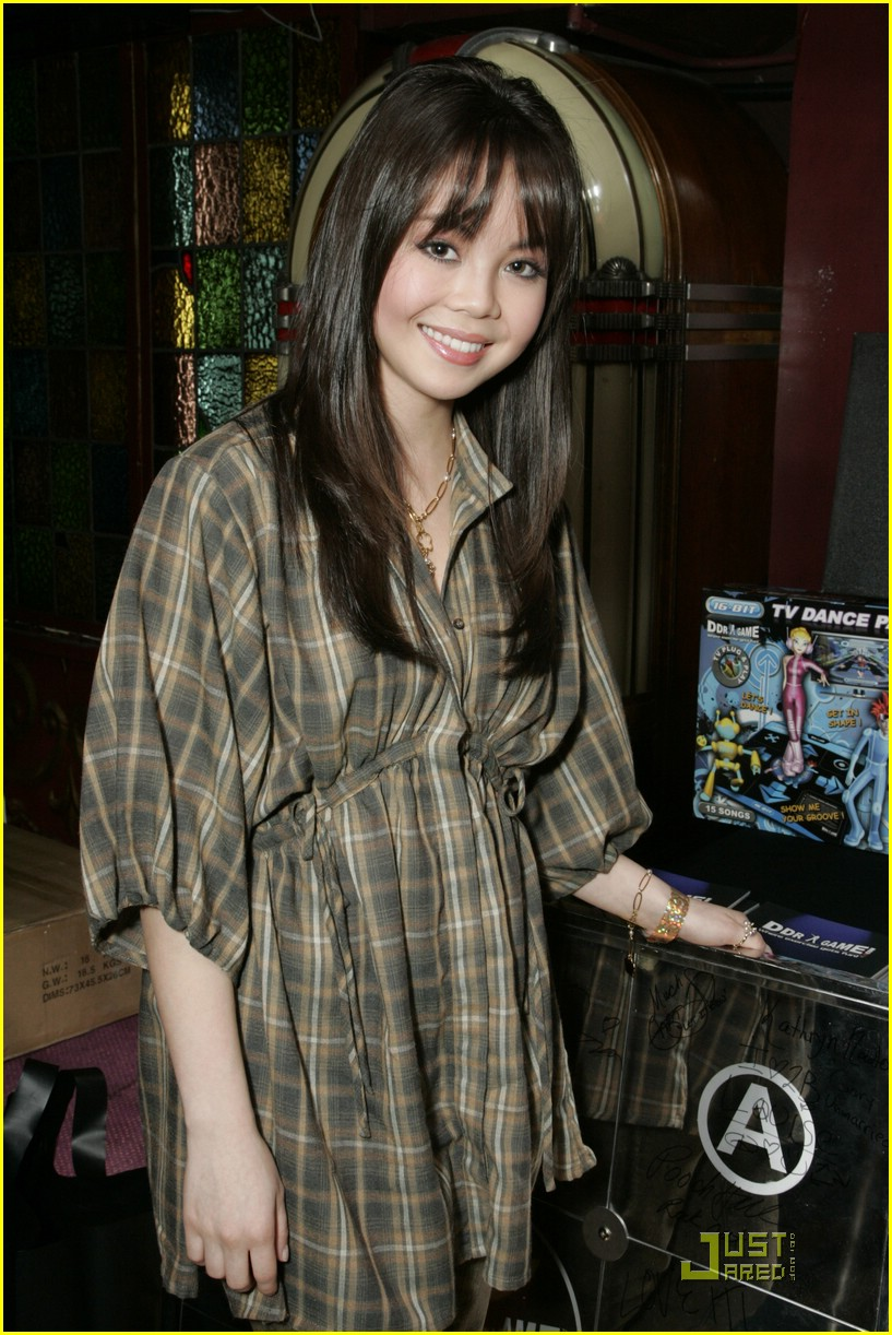 kaycee stroh olesya rulin kca gift lounge 03