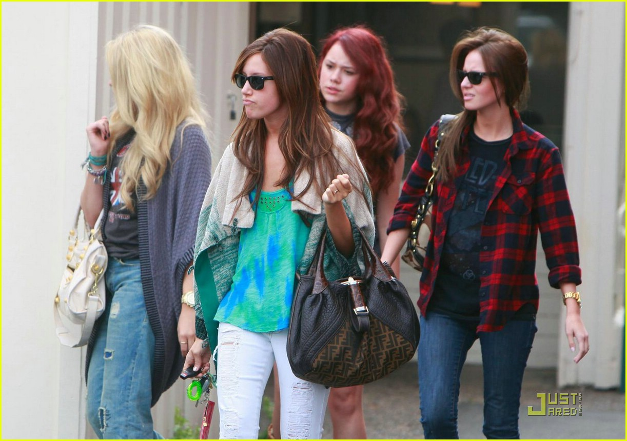 ashley tisdale samantha droke patys 08