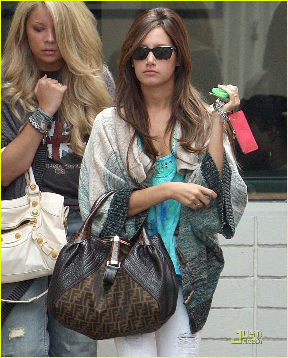 ashley tisdale samantha droke patys 15