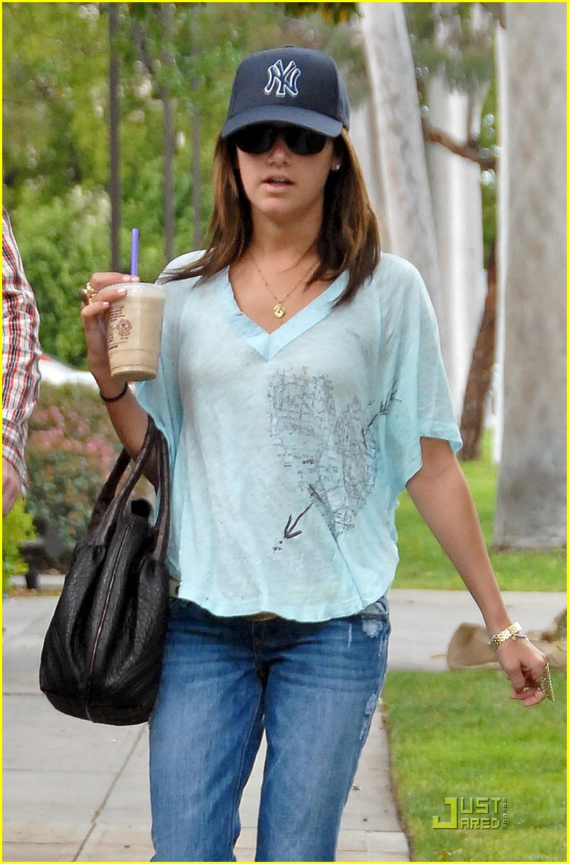 ashley tisdale warner brothers studios 02